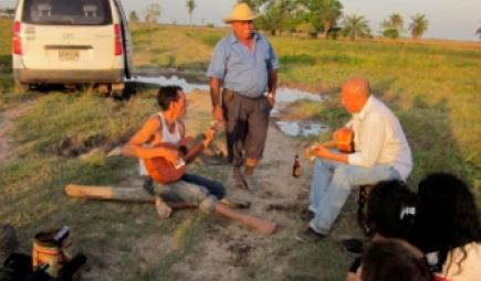 Félix, Carlos, and Víctor play traditionalllanero ranching songs. Photo credit María Angélica Rodríguez Ibáñez