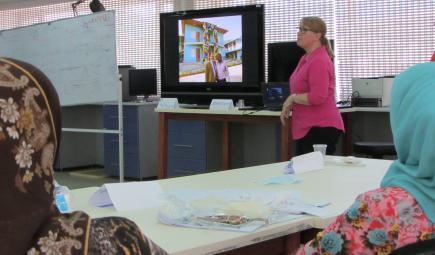 Cori Wegener talks to Iraqi heritage professionals.