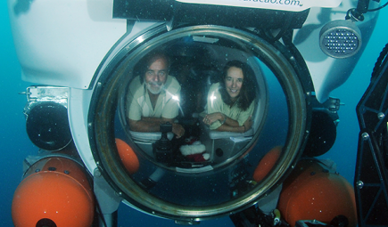 Smithsonian researchers study biodiversity in underwater capsule Curasub