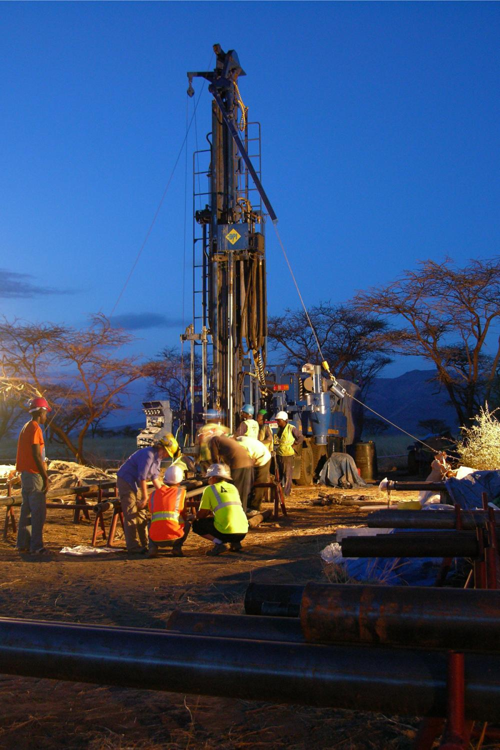 Potts's American and Kenyan team of drillers and core-recovery experts undertook day / night-time drilling. This approach to doing human origins research had not previously been tried. Photo credit: Smithsonian Institution.