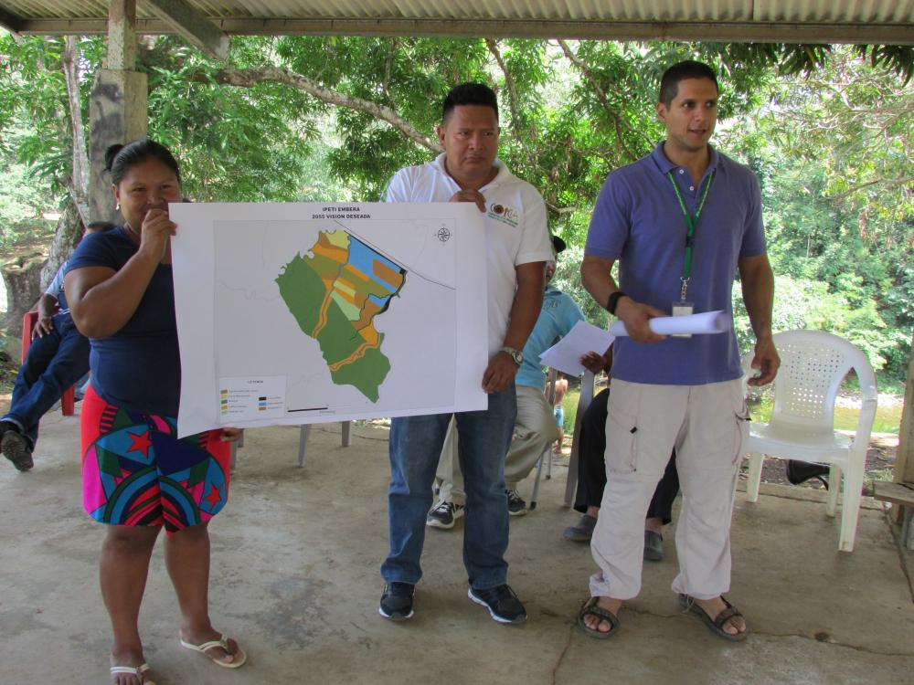 Sara Omi (left), Cándido Mezúa (center) and Mateo-Vega explore potential futures for the Emberá's forests
